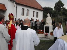 06latnivalok-szent-istvan-szobor