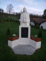 08latnivalok-szent-istvan-szobor